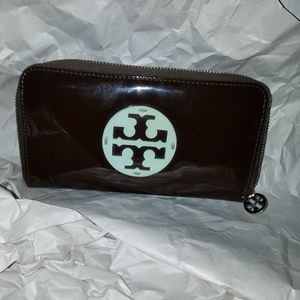 Tory Burch patent zip around wallet